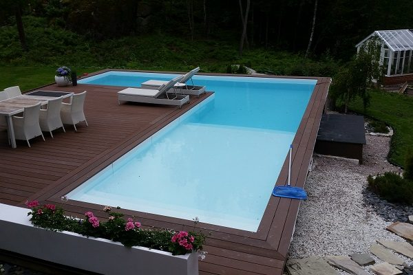 This is a photo of a pool produced in a Forsstrom HF-welding machine.